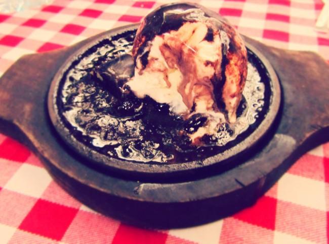 brownie vanilla ice cream