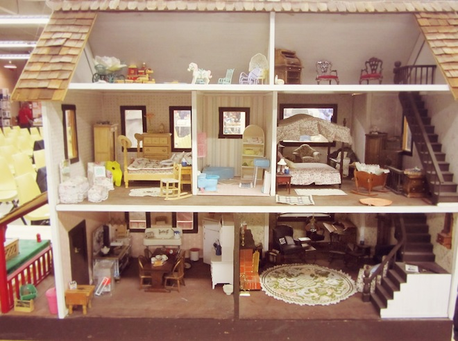 auction dollhouse