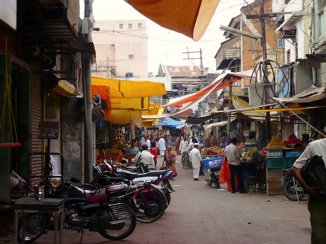 india street busy