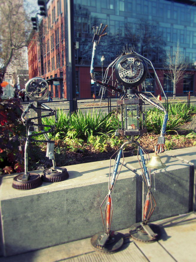 Cute metal statues in Portland, Oregon