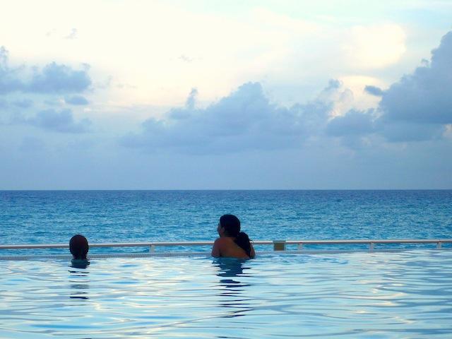 cancun pool mexico