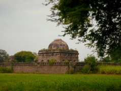king ahmed tomb india