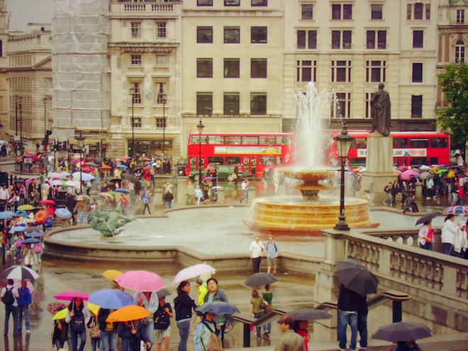 Rainy day at Trafalgar Square, London