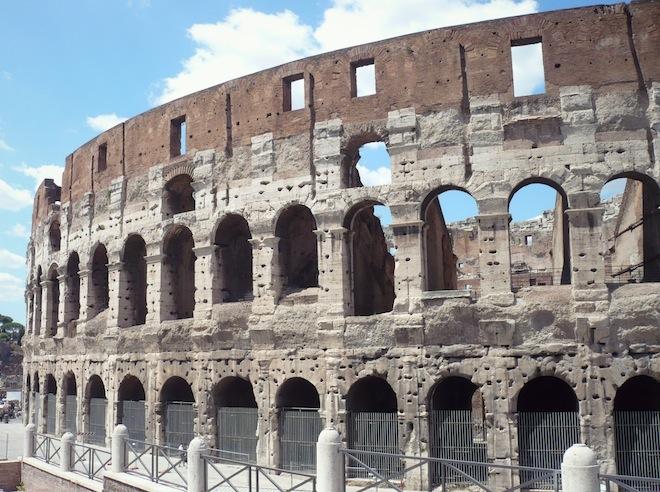 rome italy coliseo