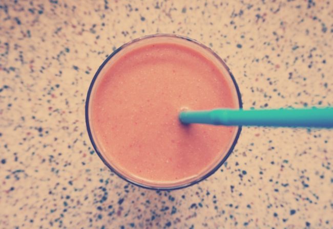 carrot strawberry smoothie
