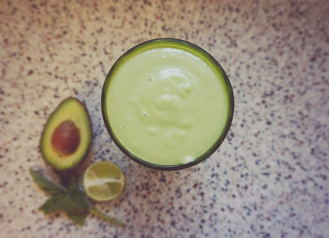 coconut avocado green smoothie1