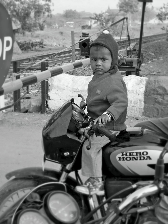 india people bw amarthiti8