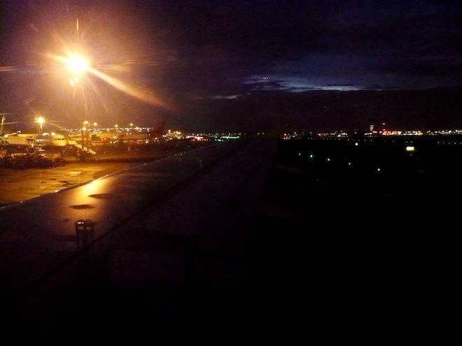 airport night vienna