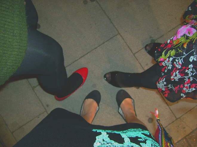 feet london night