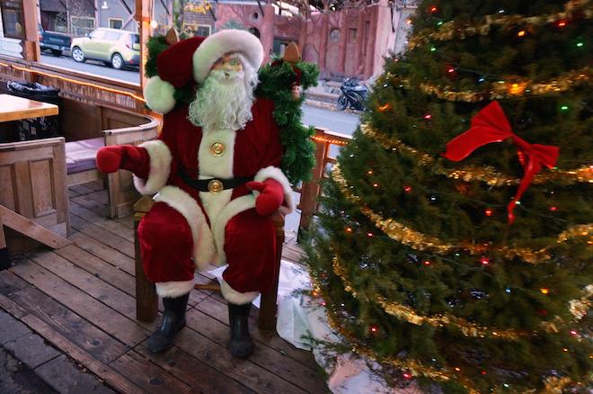 portland christmas santa tree