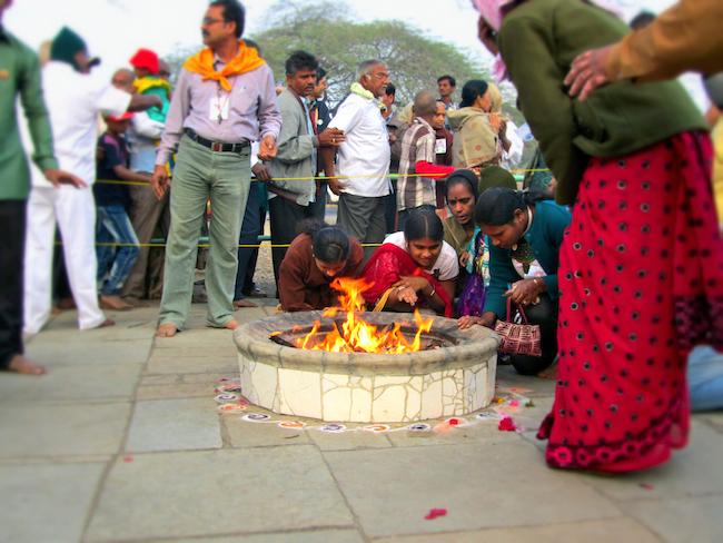 dhuni india fire1