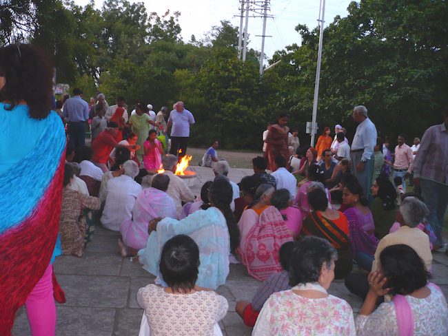 dhuni india fire12