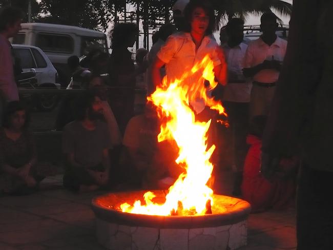 dhuni india fire13