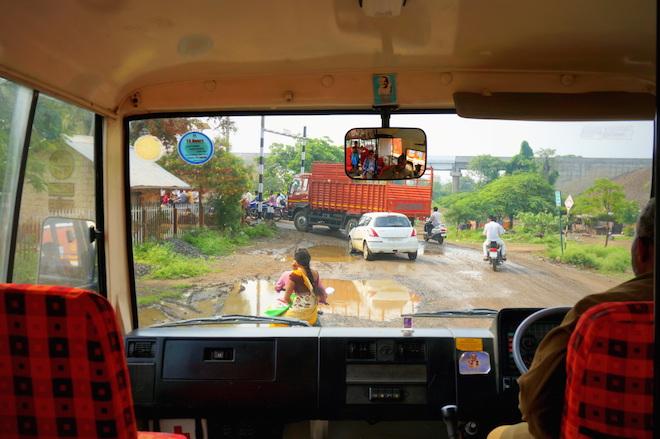 india2015 bus1